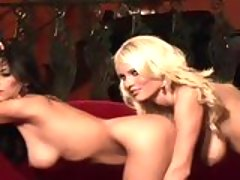 sexy naked blondie Hannah Hilton cant wait to play dirty with her nasty friend
