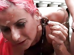 Extreme pissing and blowjob