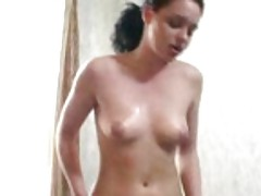 Huge toy beads in a brunette chick pink muffin